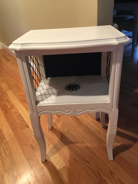 Sm White Accent Table